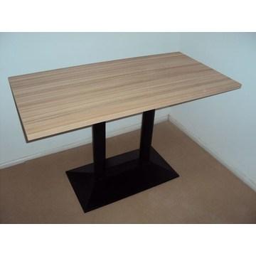Professioneller Holztisch mit Gusseisenbasis