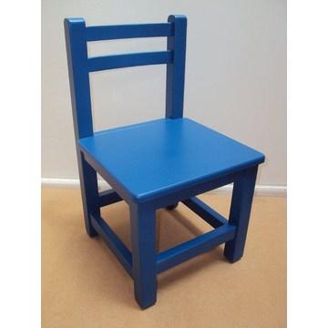 Drewniane krzesło dziecięce do szkółek i przedszkoli przez suszone drewno bukowe.