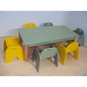 Table et banc de bébé en bois pour enfants professionnels