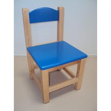 Professioneller Kinderstuhl aus Holz € 26 Lack