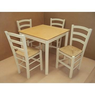 Professioneller Holztisch traditionell